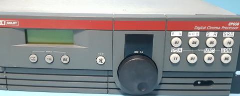LYDPROSESSOR: Brukte lydprosessorer av den typen som brukes i Sokndal kino er til salgs på nettet for 5.000 til 6.000 kroner, men politikerne anbefales å kjøpe en helt ny lydprosessor til 57.600 kroner.
