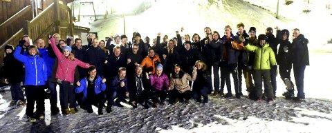 GLEDER SEG: Her er noen av de drøyt 50 frivillige, som sørger for at Snowstock blir en hyggelig opplevelse både for deltakere og tilskuere.alle foto: ole john Hostvedt