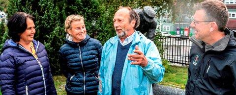 ENIGE OM MYE: De er tverrpolitsik enighet om å satse på bolyst- og næringsutvikling i Søndre land. F.v. ordfører Anne Hagenborg (Ap), varaordfører Mona Tønnesland Tholin (Sp), Rune Selj (H) og Erik Bjørnsveen (Bl).