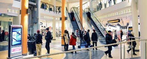 VARIERENDE: Omsetningsmessig har sommeren vært varierende for kjøpesenterne i Vestfold. En by skiller seg ut fra de andre.