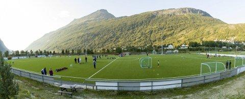 På førsteplass: Beisfjord Idrettslag sitt prosjekt med kunstgress og lys på hovedarena har førsteplass på prioriteringslisten for spillemidler.