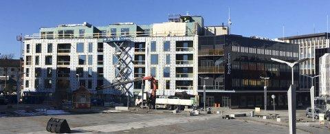 Utvide: NPU sa ja til en ny femte etasje på Bygården. Det skal gi plass til fire leiligheter og helhetlig høyde med Kjolestuegården t.v.Foto:Øystein Ingebrigtsen