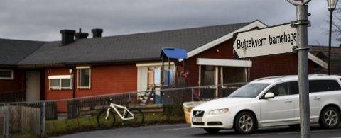 RENHOLD: Buttekvern barnehage har fått beskjed om å endre ting som vanskeliggjør renhold og må blant annet slutte å lagre stoler på do. Foto: Jan Rune Bakkelund