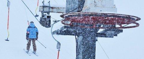 SNØEN DALER: Det har ikke kommet like mye snø på Skaidi som i Alta, men fortsetter snøen å dale som den gjør i dag kan det være at man åpner i januar.