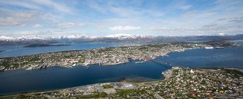 NEGATIV UTVIKLING: Tromsøs negative utvikling når det gjelder  smittetall for nabokommunen Balsfjord til å reagere.