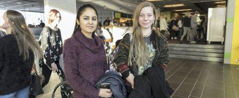 VIKTIG VALG: Farida Babaker Khial og Hennie Hilde Skare ble inspirert blant annet av foredragsholder Sunniva Rose (bildet under).