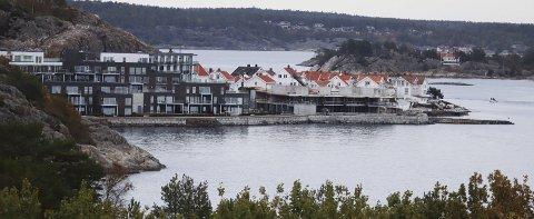 Risør: Fotoet fra Flisvika i Risør viser hvor mye byens politikere har forstått, skriver Erling Okkenhaug.
