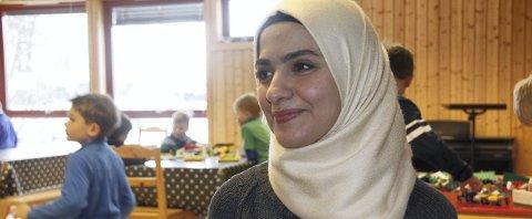 HJELP: – Alle kan bidra til at Rania og de andre flyktningene kan føle seg velkomne, sier Lill Heidi Myrvold og Karin Alice Mikkelsgård.