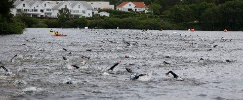 KLAR, FERDIG, GÅ: Søndag kl. 07.00 går startskuddet for Ironman i Skeisvatnet.