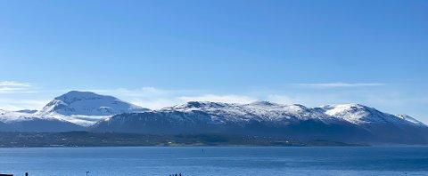 MORN: Tromsøya og omegn har i alle fall alle forutsetninger for en solfylt dag.