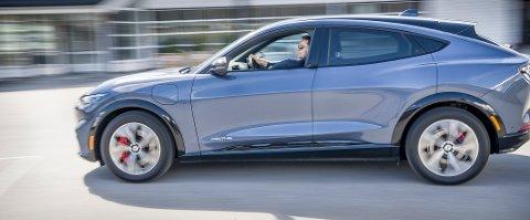2021: Den første Mustang Mach-E som ble registrert i Kongsvinger tilhører Petter Rundén i Sør-Odal. I likhet med Harry Ekberg var han først i distriktet da Ford kom med en ny bilmodell med Mustang navnet.  Begge med adressen Ullern.