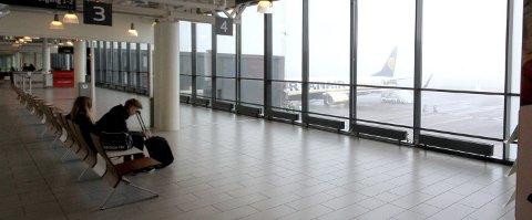 Det tømmes: I kveld går siste fly fra Rygge, i alle fall for en stund. For nå er det slutt, selskapet som har sendt mer enn åtte millioner passasjerer ut av landet de siste årene, vil ikke ta tunge tap. foto: espen vinje