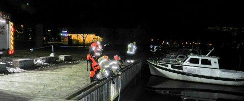 SØK: Ingen ble funnet i vannet.