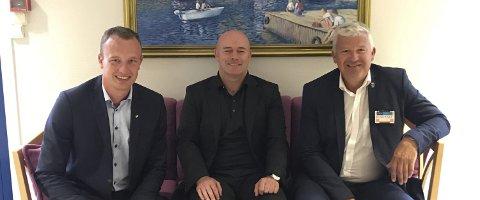 MØTE: Fylkesordfører Sven Tore Løkslid (t.v.), TPI-direktør Jarrod Ritchie og ordfører Jone Blikra møttes tirsdag. FOTO: PRIVAT