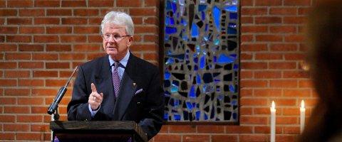 VAFFELBESØK: Tidligere biskop Sigurd Osberg gjester Vaffelakademiet denne torsdagen.