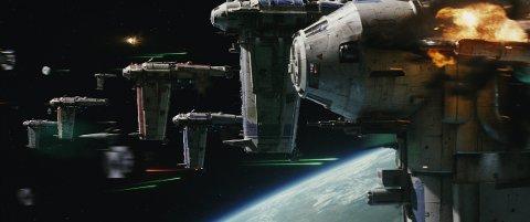 STJERNEKRIG: «Star Wars: The Last Jedi» tror lokale kinosjefer vil trekke flust av folk gjennom hele julen. FOTO: LUCASFILM