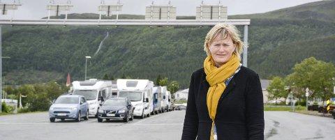 - Hver eneste dag får jeg klager på fergetilbudet, sier Nesna-ordførere Hanne Davidsen. Foto: Karina Solheim
