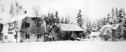 Småbruket Langseth, hvor Synnøve vokste opp med mor, far og seks søsken. Bildet er trolig tatt på begynnelsen av 1940-tallet.