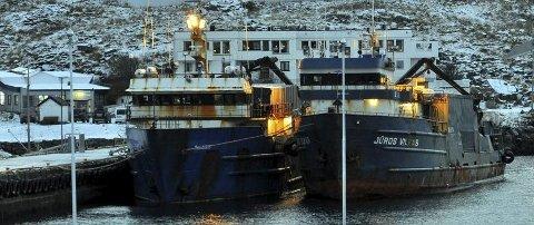 TIL ARREST: Båten Juros Vilkas ble tatt inn til arrest i Båtsfjord ifjor. Skipperen ble senere frikjent for ulovlig snøkrabbefiske i Øst-Finnmark tingrett, men nå kan han på nytt bli dømt i Hålogaland lagmannsrett.