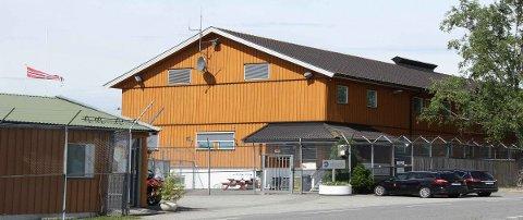 KOKAINKAST: Det var over gjerdet til Havnås fengsel i Trøgstad at mossingen forsøkte å kaste over kokain som lå i en snusboks.