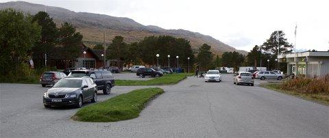 VALGKRØLL: Her, i kommunesenteret Burfjord, stengte valglokalet 2,5 timer før tida på den siste dagen det var anledning til å avgi forhandsstemme. Dette er et av ankepunktene mot gjennomføringen av valget.