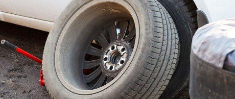 Mange sjekker bare dekktrykket når de skifter hjul - og tenker det er bra nok. Men det er det ikke.