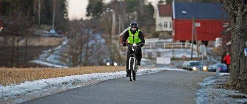 VIL HENTE PENGENE HER: Dersom selvkjørende buss skal prøves ut i  år, foreslås det å hente pengene her: fra potten som er satt av til å oppgradere de eksisterende sykkelveiene  i Fredrikstad.
