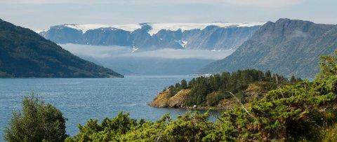 PÅ LISTA: Øksfjordjøkelen er blant de såkalte tapte toppene på lista.