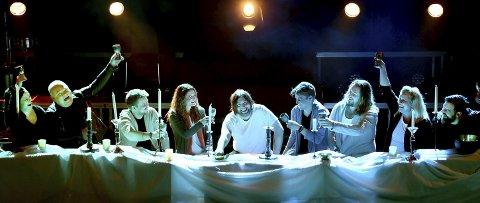 Jesus Christ Superstar: Skuespillerensemblet (fra venstre): Ann Christin Elverum, Pål Nielsen, Martin Hovland, Malin Schavenius, Jonas Groth, Philip Bøckmann, Stian Joneid, Monica Hjelle og Trond Gudevold.