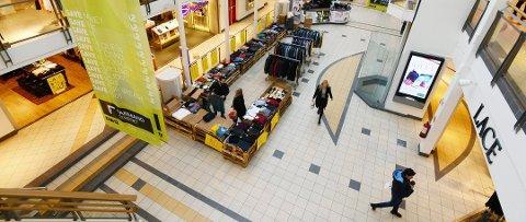 REGN ER BRA: Regn er bra, spesielt for kjøpesenterne, mener Virke.
