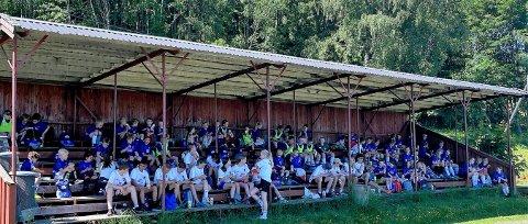 Deltakerne på Biri ILs fotballskole.