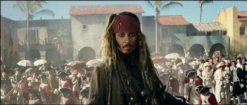 PUBLIKUMSVINNER: Johnny Depp som kaptein Jack Sparrow i «Pirates of the Caribbean: Salazar's Revenge» trekker folk til kinomørket. (Foto: Disney Enterprises)
