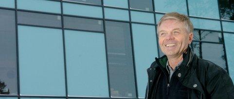 Roar Jørgensen startet egen bedrift i 1985. Her er han utenfor nybygget på Hvervenmoen i 2007.