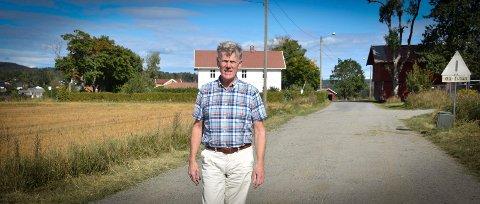 Bondesønn: Otter Brødholt (68) er bondesønnen som gjør jorda om til boligfelt. – Slekta har vært her på gården i 400 år, sier han.