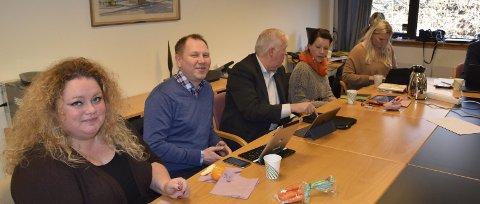 Samstemte: Formannskapet med Morten Halvorsen (øverst til høyre), Guro Nyhus Hagen, Torgeir Bakken, Kitt Kåsalia, Terje Nyvoll-Todnem, Gry Blöchlinger, Svein Aannestad. Tonje Brokke (nederst til venstre), Roger Heimdal, Per Christian Voss, Gunnbjørg Fisketjønn og Åslaug Sem-Jacobsen er samstemte i saken om tilpassa boliger. Alle vil bygge raskt, tross utfordringer.