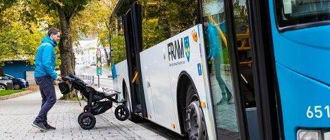 FRAM innfører vi to nye betalingsmetoder for de som skal reise med buss. (Illustrasjonsbilde fra pressemelding)
