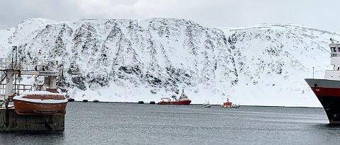 Ble fulgt inn til land: Sjarken som var involvert i det som kalles for en mindre hendelse, ble fulgt inn til land av Losbåten etter sammenstøtet.