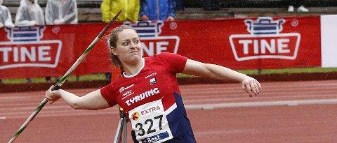 NY PERS: Kongsbergjenta Ane Dahlen satte ny personlig rekord i spydkast i Bergen onsdag. (FOTO: RUNE HELLE)