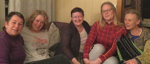 8. mars komiteen legger de siste planene. Fra venstre Anita Villa, Bente Sørvik, Cathrine Grutle Laila Iren Vangen og Torill Enger Karlsen.