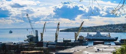 På tide å våkne: Torhild Magnussen mener det er på tide at politikerne våkner så havnen stoppes eller utsettes.