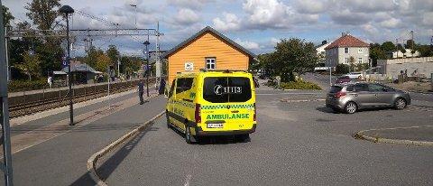 VESTBY: Både politi og ambulanse rykket ut til Vestby stasjon torsdag ettermiddag.