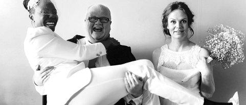 VIER ALLE: Ingrid og Nadette Narum ble viet av Kjell Morten Bråten i januar. Ingrid er fra Skien.