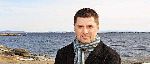 Daglig leder i Nekton AS og eierselskapet Grundvågen AS, avviser at Nekton har planer om å kjøpe kommunens aksjer i Promek..