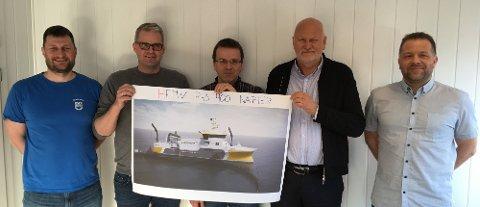 FMV43 har designbetegnelsen HFMV P43-400 v2, og er et fellesprosjekt mellom Napier, Heimli og FMV. Fra venstre: Hugo Strand (FMV), Kjetil Tufteland (Napier), Asbjørn Vik (Heimli), Bjørn Apeland (Napier), Åsmund Sørfonn (FMV)