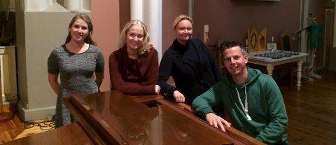 Klare for jul: Solveig Eliassen (fra venstre), Anne Mari Elvestad, Christine Sørensen Eriksen og Henrik Brusevold gleder seg til julekonsert.Foto: Privat