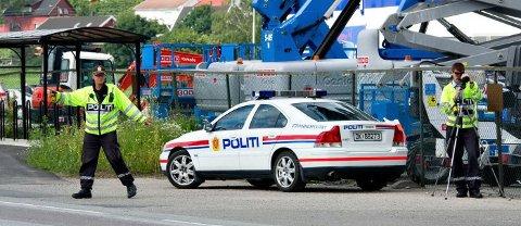 KAN FORSVINNE: Utrykningspolitiet kan forsvinne og bli overført til lokalt politi. – Et meget uklokt forslag, mener Trygg Trafikk. Bildet er fra en tidligere kontroll på Rolvsøyveien.