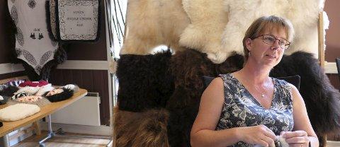 Håndverk og ull: Merethe Uverud er en av de lokale produsentene som stiller ut produkter iløpet av de neste dagene.