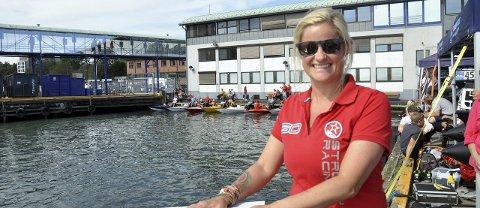 Gjest hos Skavlan:  Formel 1 -kjører og sanger Marit Strømøy fra Sandefjord.