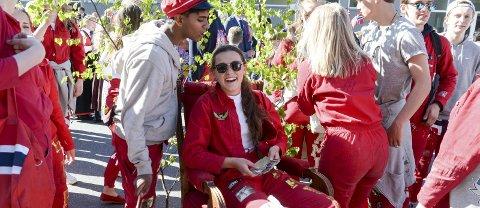 HERSKAPELIG: Madam President Malene Kristiansen fikk spesialtransport i barnetoget. FOTO: NILS JUL LANDE