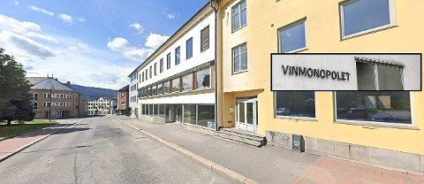 VIL TILBY: Eieren av Domusbygg vil tilby Vinmonopolet nye lokaler her øverst i Storgata..